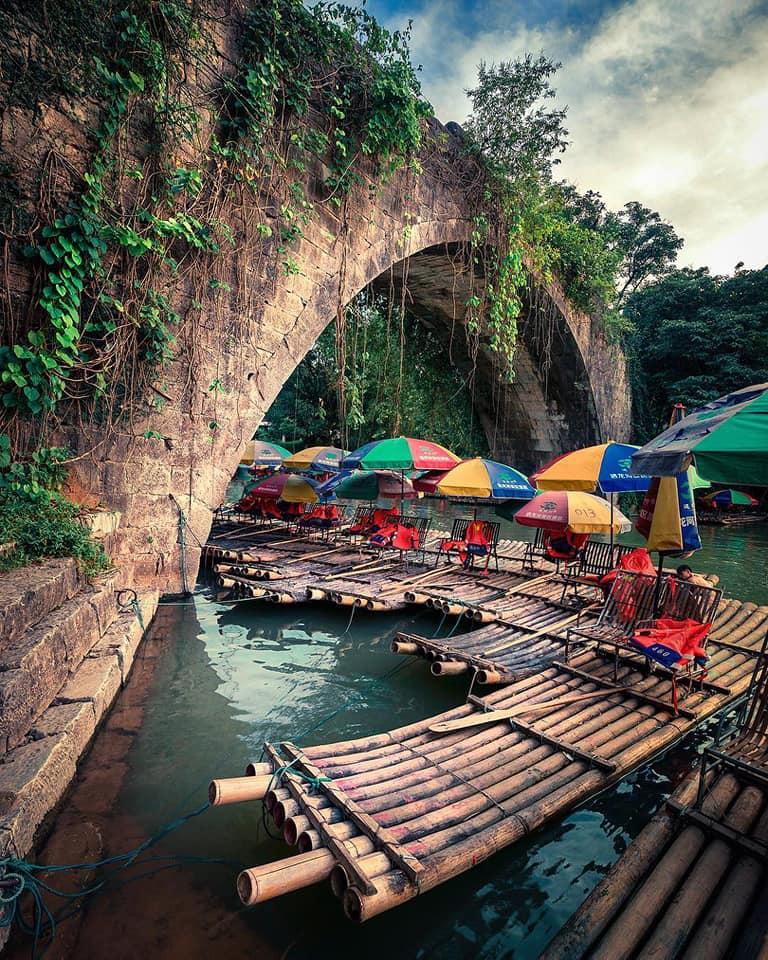 Puente del Drágón río Yulong
